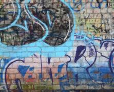 Na škole se nám objevil sprejový nápis, odstranil nám ho A SERVIS. Odstraňování graffiti Ostrava