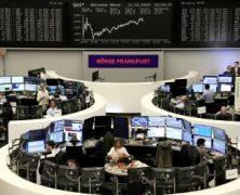Rostoucí obavy z koronaviru posílají ceny akcií a ropy dolů. Zlato naopak posiluje