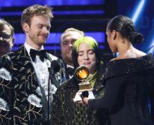 Osmnáctiletá Billie Eilish ovládla ceny Grammy a zvítězila ve všech hlavních kategoriích