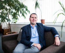 Šéf Českého telekomunikačního úřadu rezignoval. Nelíbí se mu, že chce Havlíček měnit podmínky soutěže na čtvrtého operátora