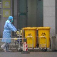 První oběť koronaviru v Evropě. Ve Francii nemoci podlehl čínský turista